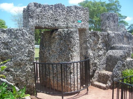 Homestead_FL_Coral_Castle_revolve_gate03